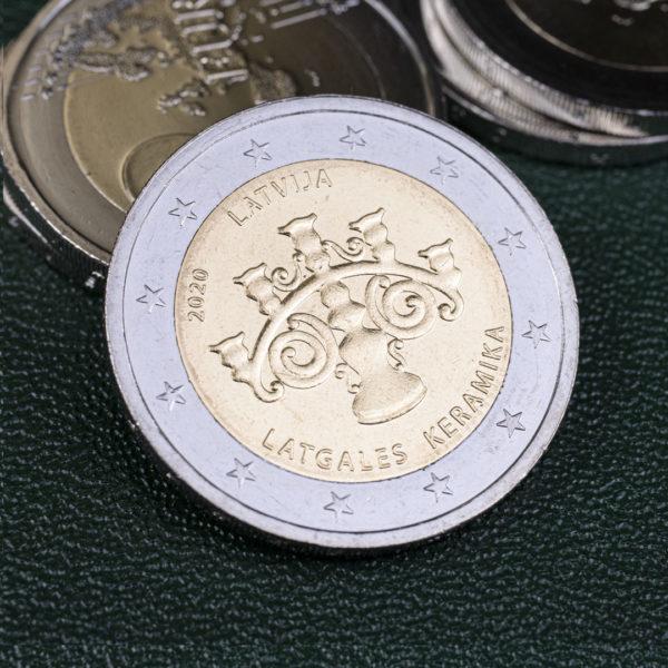 Латвия 2 евро 2020 год - Латгальская керамика